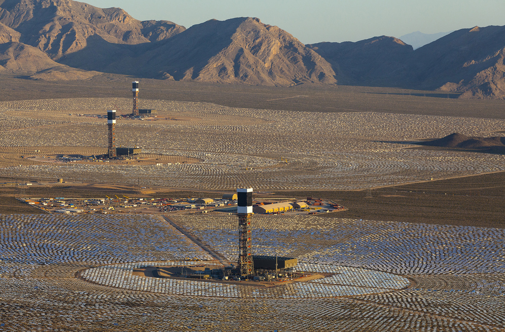 World's largest solar plant to go live in California's Mojave Desert