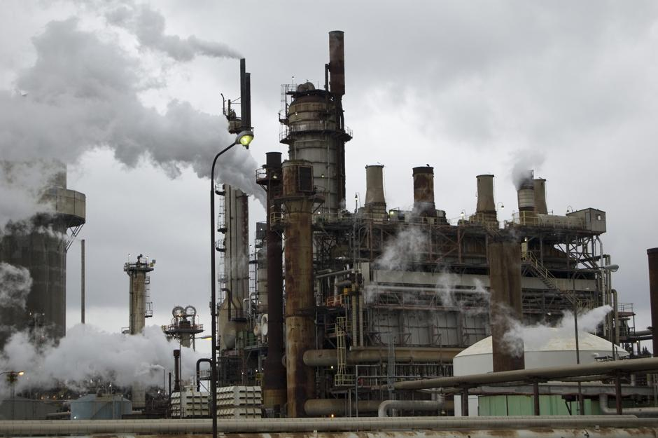Toxins being released from an oil refinery